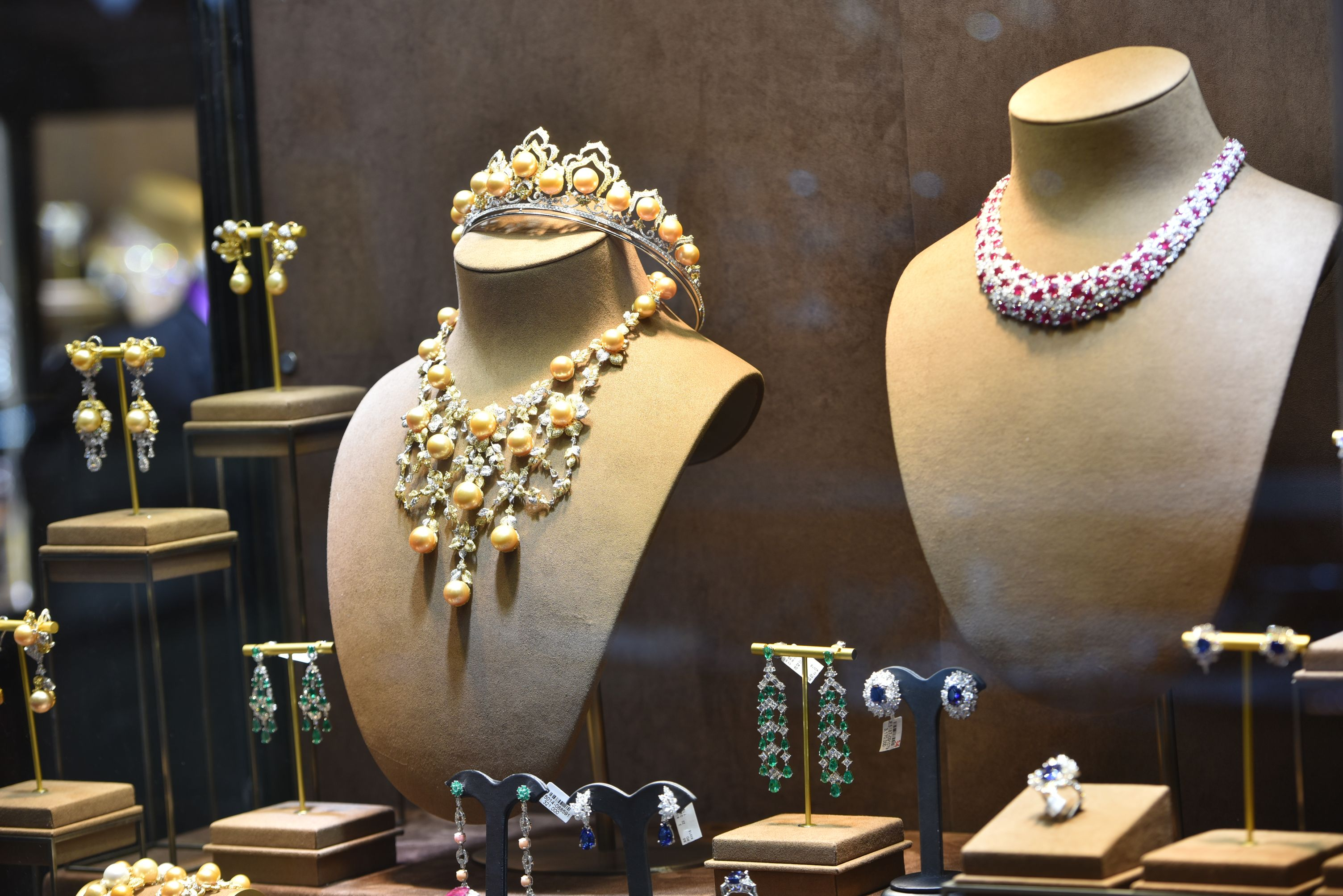 نمایشگاه بین المللی جواهرات چین هنگ کنگ